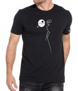 T-shirt mister blackwhite sur un manequin